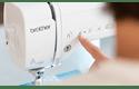 Innov-is A150 компьютеризованная швейная машина  7