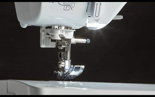 Innov-is A50 компьютеризованная швейная машина  4