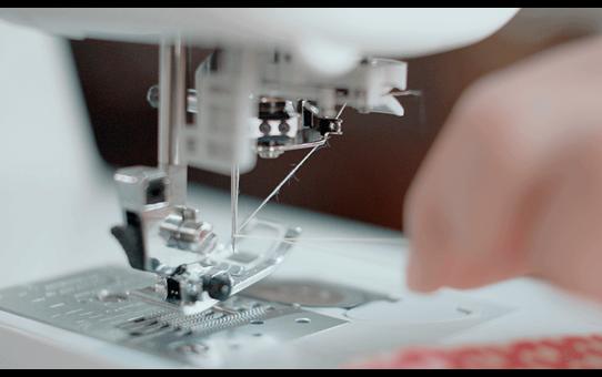 Innov-is A50 компьютеризованная швейная машина  7