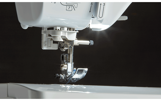 Innov-is A80 sewing machine 5