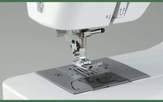 Classic 20 электромеханическая швейная машина  3