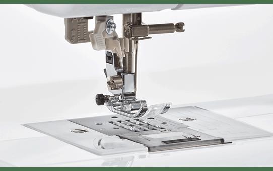 DS50 компьютеризованная швейная машина  6