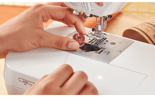Innov-is F400 Macchina per cucire 3