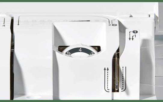 Innov-is F410 компьютеризованная швейная машина  3