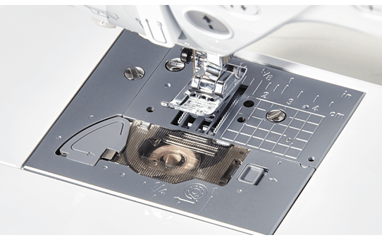 Innov-is F410 компьютеризованная швейная машина  7