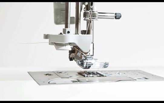 Innov-is F420 Macchina per cucire 4
