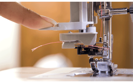 ML-750 компьютеризованная швейная машина  3
