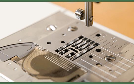 ModerN 50e компьютеризованная швейная машина  3