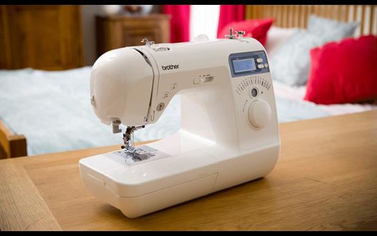 Innov-is 10 компьютеризованная швейная машина  7