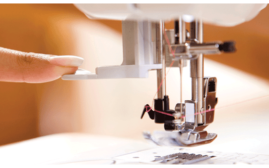 Innov-is 15 sewing machine 4