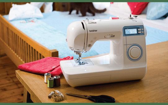 Innov-is 30 компьютеризованная швейная машина  7