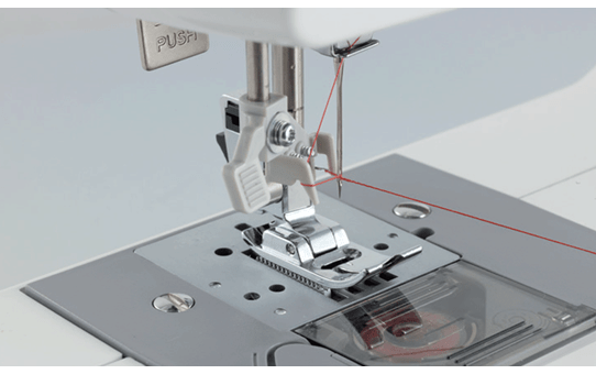 Universal 17 электромеханическая швейная машина  4