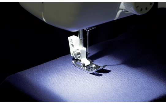 X4 электромеханическая швейная машина  2